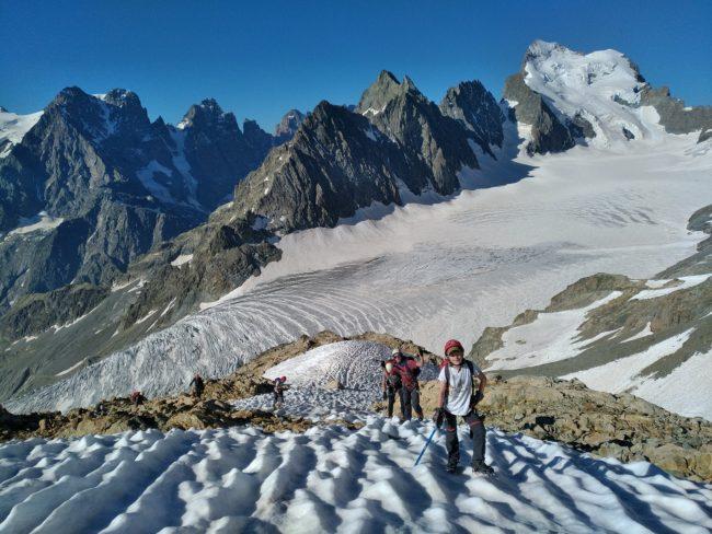 Découverte de l'alpinisme en initiation dans les Ecrins.