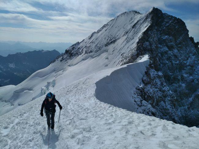 Arrivée au sommet du Dôme des Ecrins.