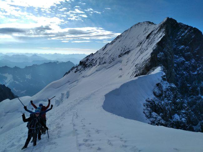 Stage dôme des Ecrins et arrivée au sommet.