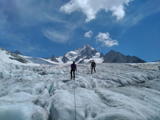 Balade avec un guide sur le glacier du Tour.