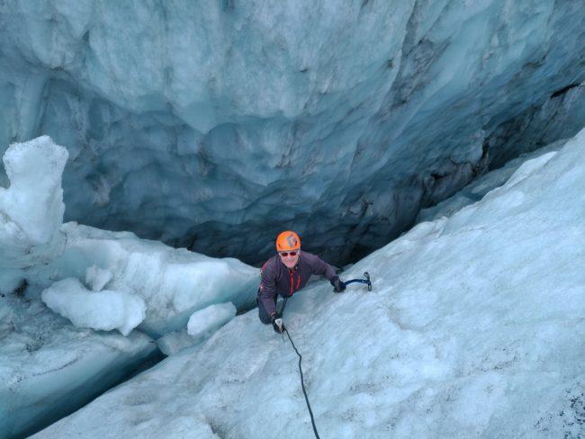 Ecolke de glace à Chamonix valleé sur le glacier du Tour.
