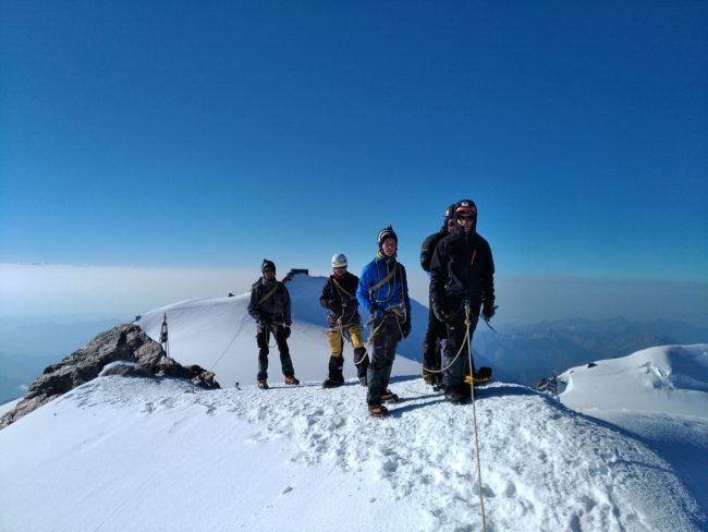 Au sommet de la pointe Zumstein.