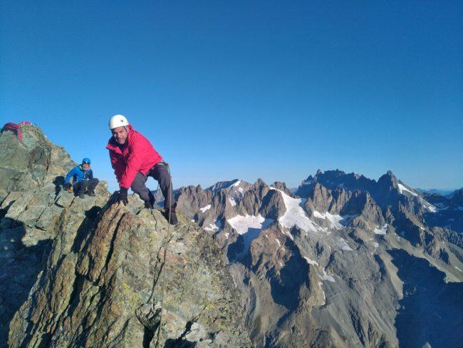 Escalade de l'arête sommitale de la Roche Faurio.