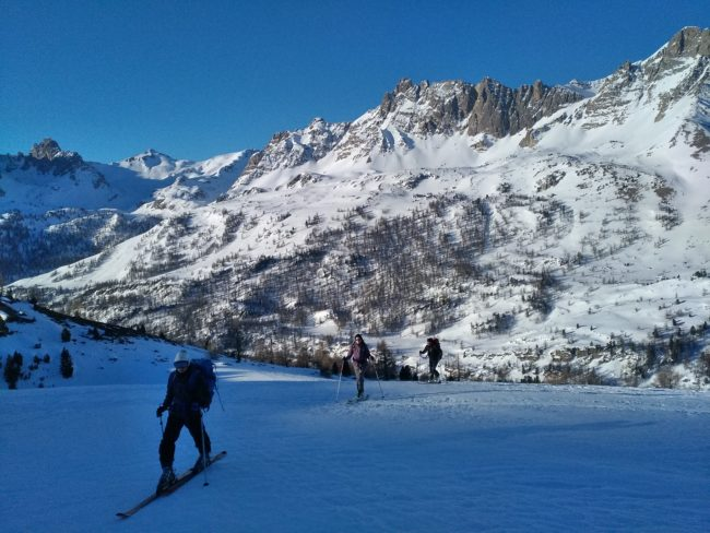 Ski de randonnée au dessus du refuge de Ricou.