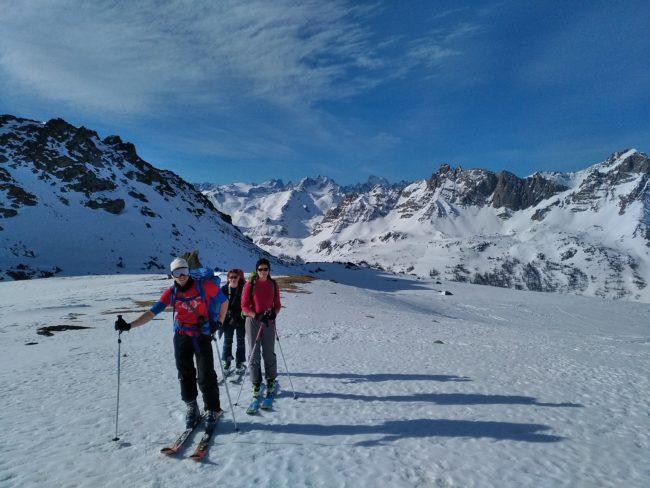 Ski de randonnée au pic du lac Blanc dans la Clarée.