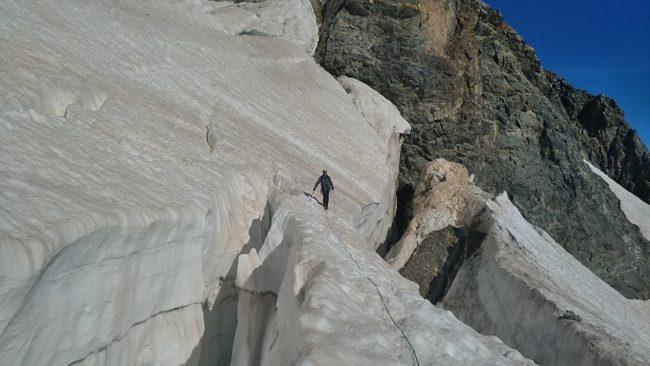 Enorme crevaase du glacier des Violettes.