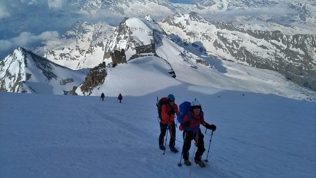 Montée au Grand Paradis et belles conditions de neige.